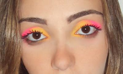 http://1.bp.blogspot.com/-QWqjYwR8V0Q/TVrt0YQriEI/AAAAAAAACME/urMG2SLrZjI/s1600/Maquiagem_de_carnaval_invadindo_closet+%25281%2529.jpg