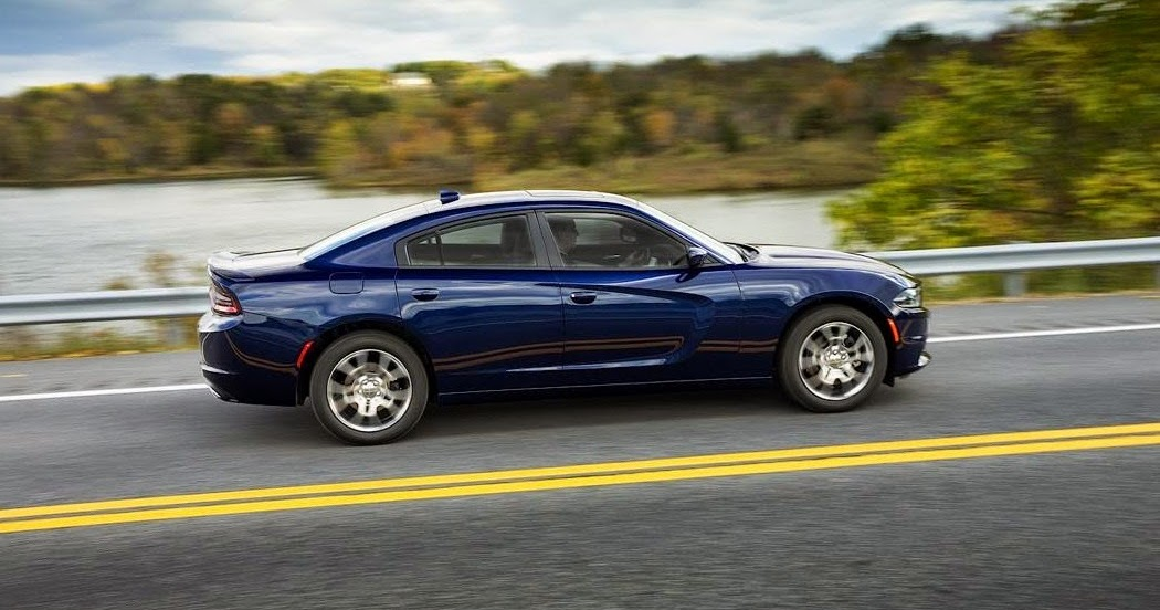 car reviews new car pictures for 2018 2019 2015 dodge charger srt hellcat 707 hp. Black Bedroom Furniture Sets. Home Design Ideas