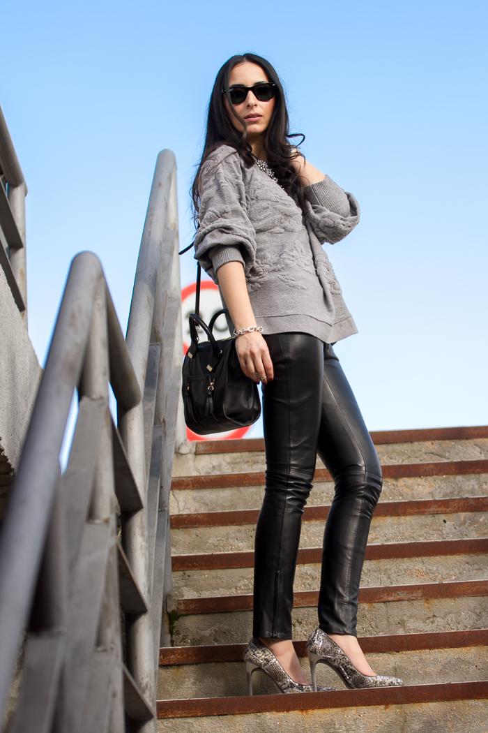 Pantalón pitillo negro de cuero de Gabriel Seguí estilo rock blogger de moda Valencia withorwithoutshoes