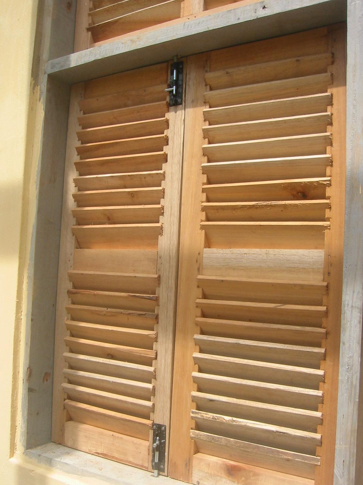 Asf en ghana 17 ventanas y puertas - Pestillos para puertas ...