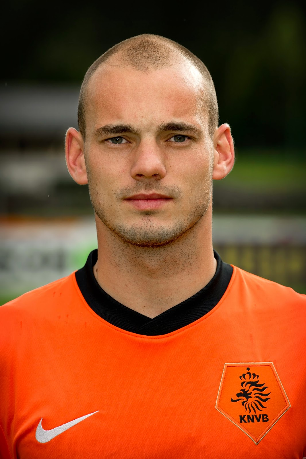 Futebol no Domingo.com  Destino de Sneijder em 2015 deve ser United ou  Chelsea 08b00f6e3f43e