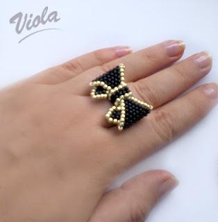 pierścionek kokardka z koralików