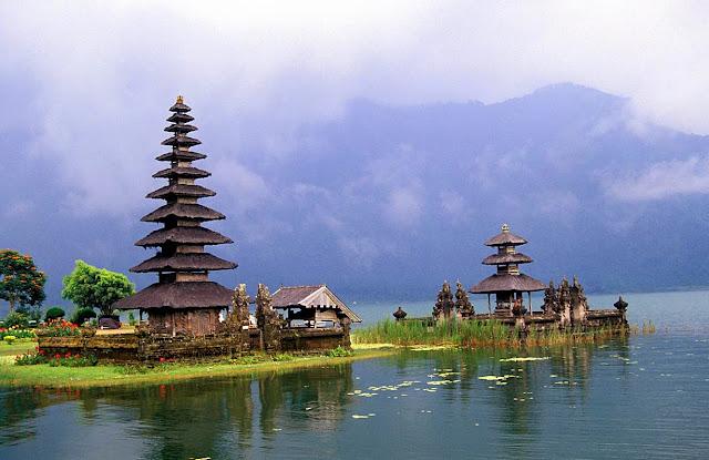 Temple Pura Ulun Danu - Bali Indonesia