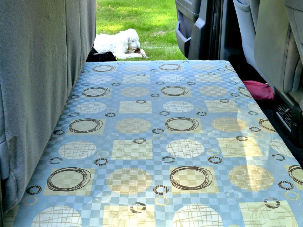 http://1.bp.blogspot.com/-QXv5GIH6vOw/U-BRcSyuilI/AAAAAAAAWig/1usUjmwxwnc/s1600/Truck+Bed+for+Dog.jpg