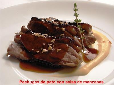 Pechugas de pato con salsa de manzanas