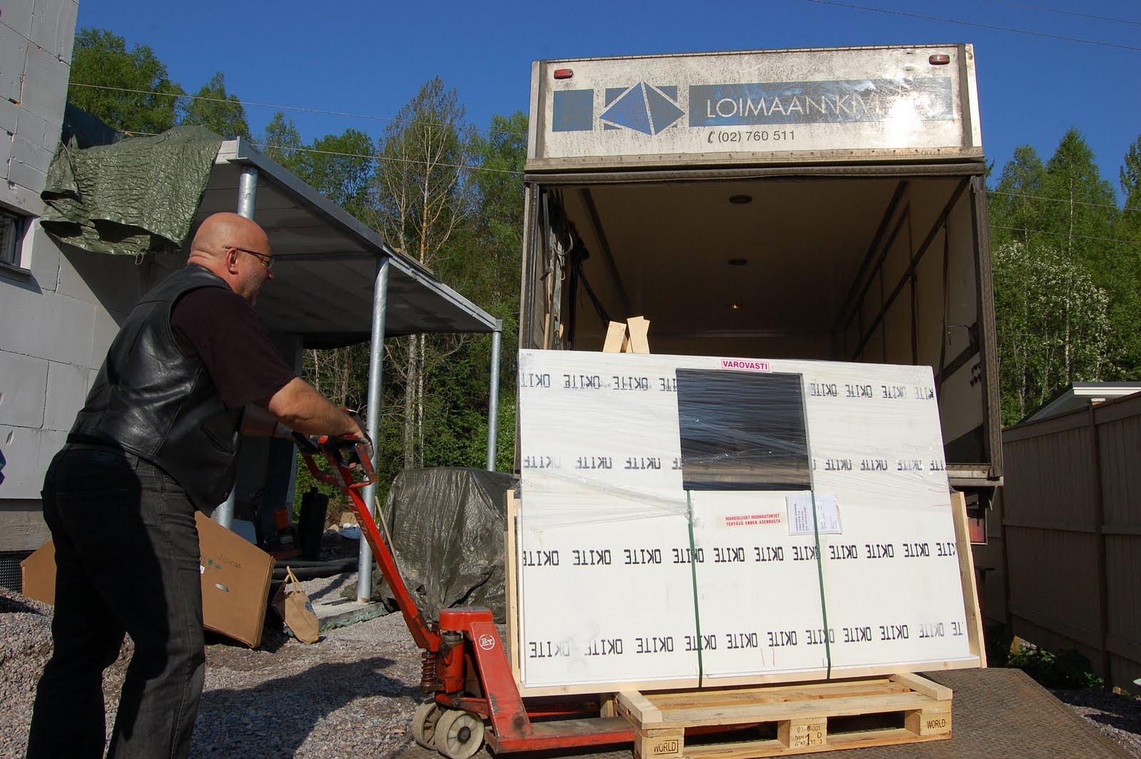 Valkoinen keittötaso kivikomposiitista saapui – ja unelmat täyttyivät  Proje