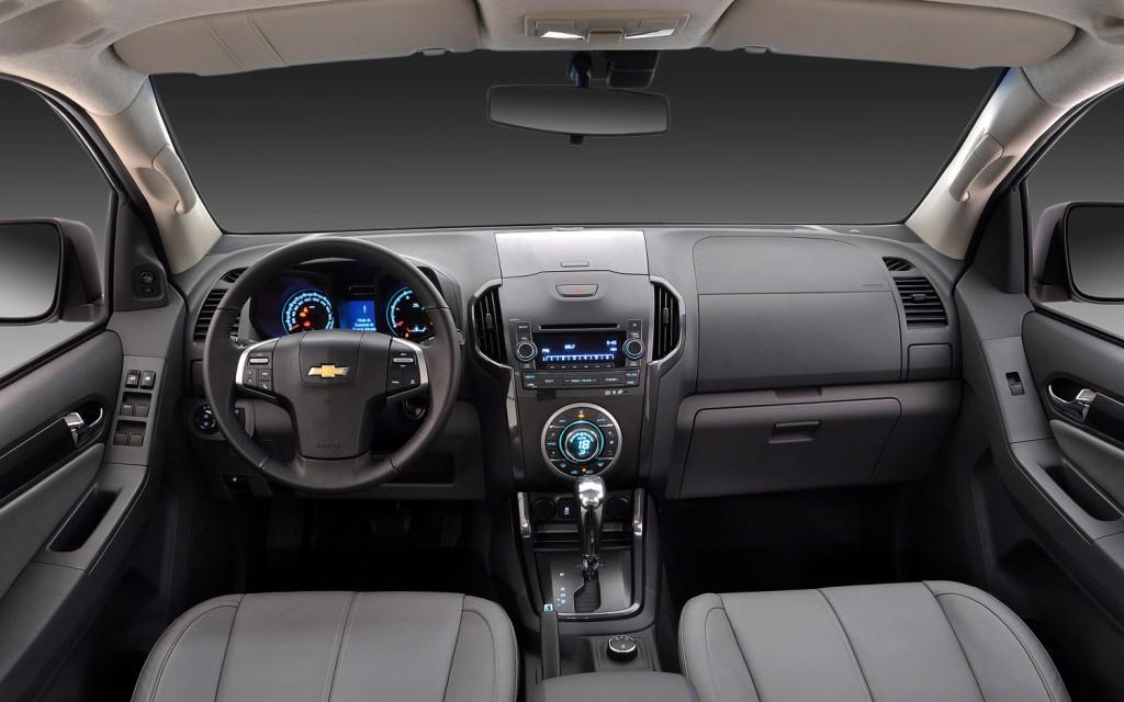 novo Chevrolet S10 2014 interior