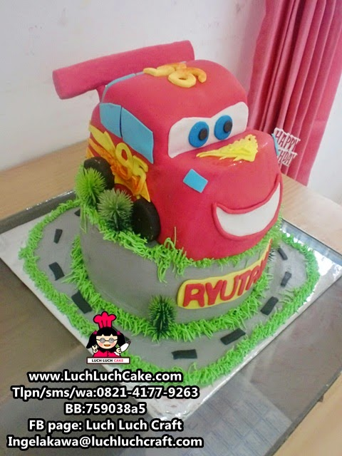 Kue Tart 3D Lighting Mc Queen Cars Movie