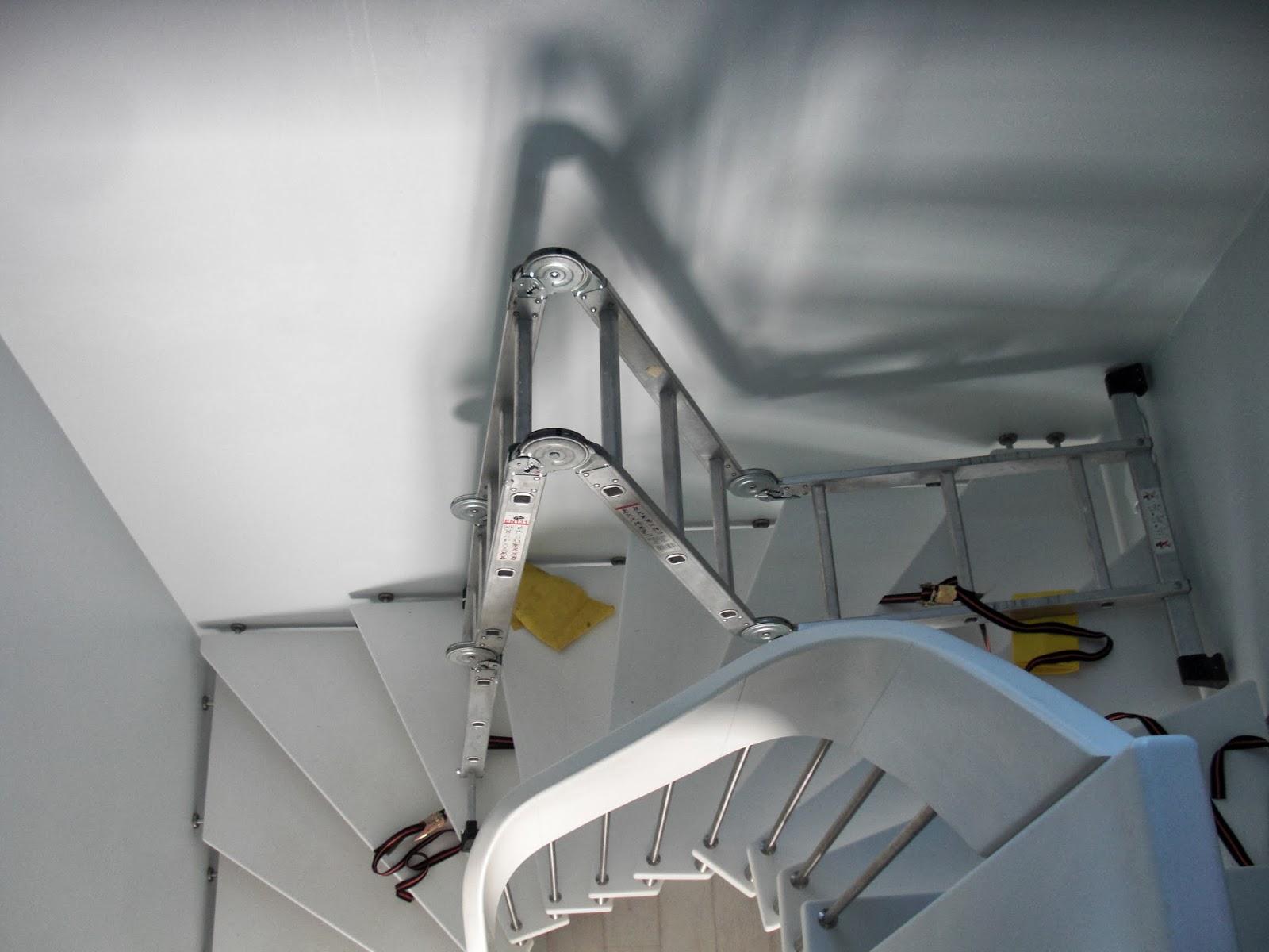 heim elich daredevil fenster putzen ber der treppe. Black Bedroom Furniture Sets. Home Design Ideas