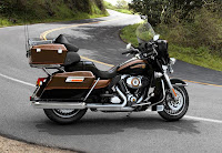 Harley-Davidson Electra Glide Ultra Limited 110th Anniversay Edition (2013) Side