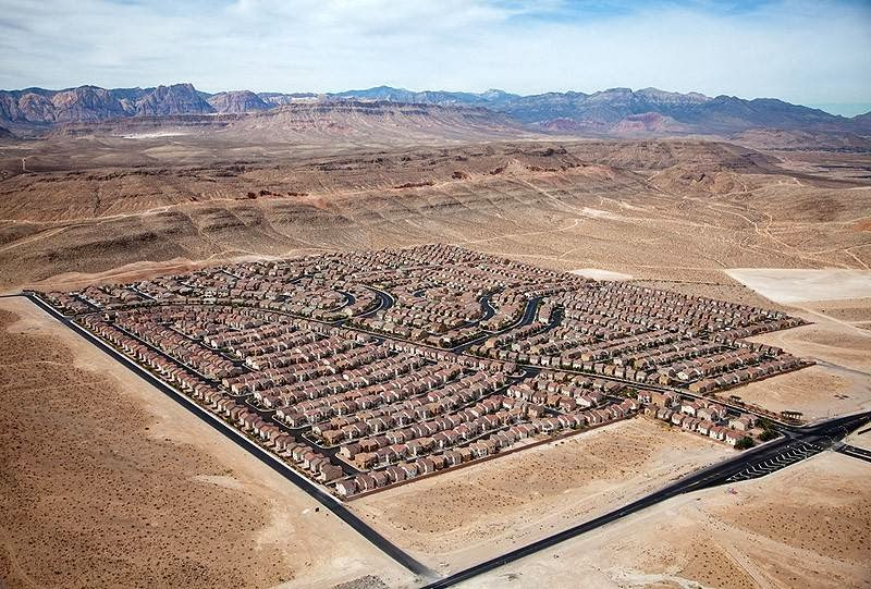 Residential quarter in the desert, Las Vegas, Nevada.