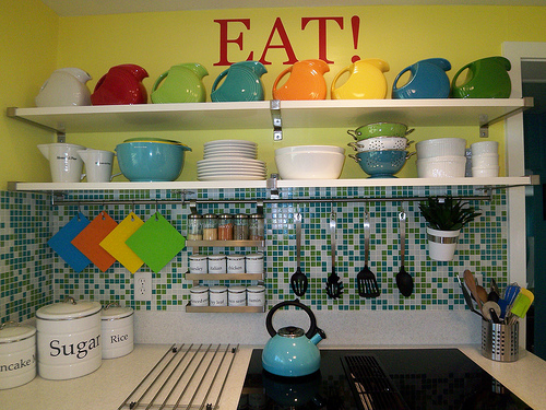 Decorating With Fiestaware Beautiful Abodes The Colorful Kitchen