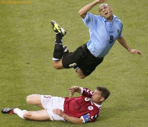 hình ảnh hài hước trong bóng đá, anh hai huoc