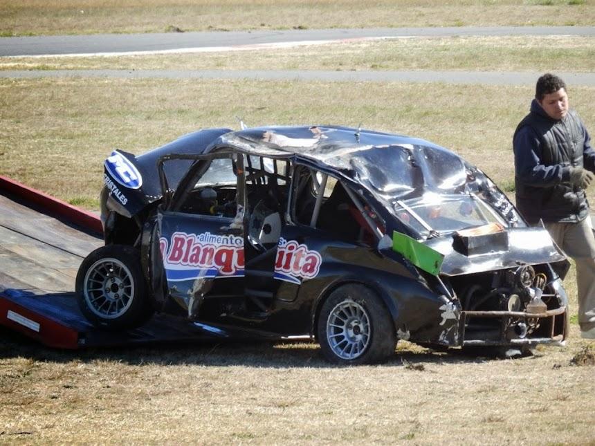 Así quedó el auto de Diego Pulley luego del vuelco sufrido en plena recta TC1100