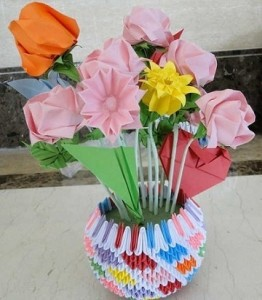 Papercraftcentral 3d origami vase with flowers check out the 3d origami vase with flowers mightylinksfo