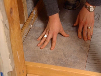 Cara Memasang Lantai Keramik Kamar Mandi dan Toilet