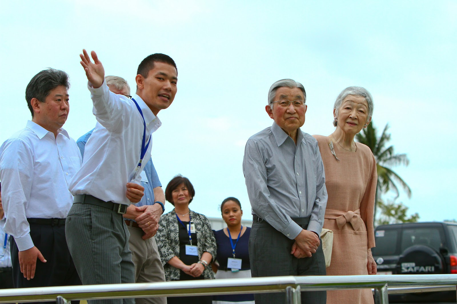 Their Majesties Emperor Akihito and Empress Michiko  at the LTCCE view deck with IRRI scientist Yoichiro  Kato,  (Photo: IRRI/Isagani Serrano)