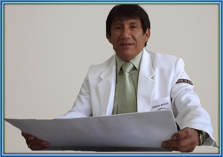 Dr. Julio Chacaltana