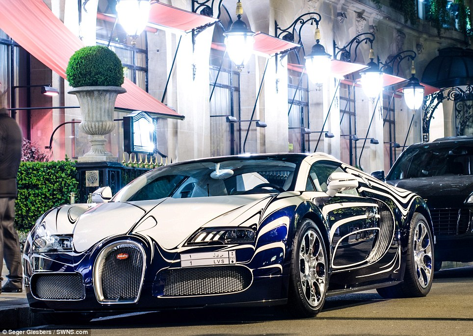THE ONE & ONLY £1.6M PORCELAIN MADE 'BUGATTI VEYRON' SPOTTED IN THE ...
