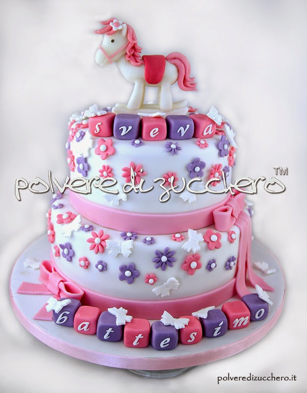 torta decorata battesimo bimba polvere di zucchero