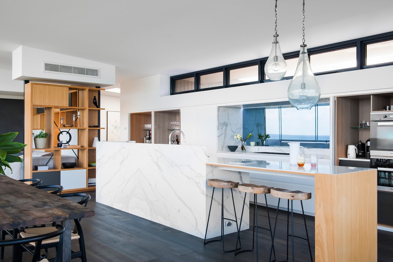Minosa: Melbourne Kitchen Design - A famous view, house and client