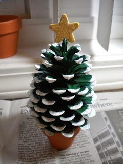 Christmas tree from pinecone