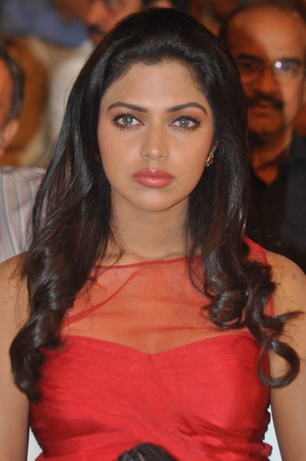 amala paul at naayak audio launch hot photoshoot