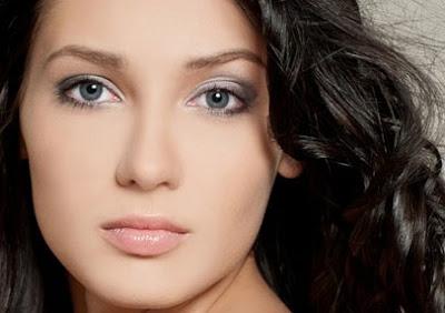 Maquillaje rostro rectangular