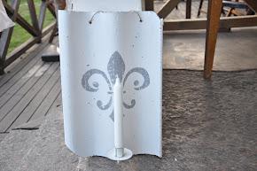 Gammal tegelpanna ~ motiv Fransk Lilja