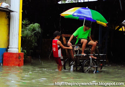 Improvised boats during the Monsoon Flood in Pinagbuhatan, Pasig City ~ August 2012