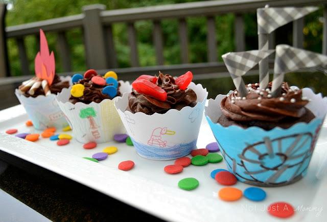 Back to school @bellacupcakeco blog party cupcakes