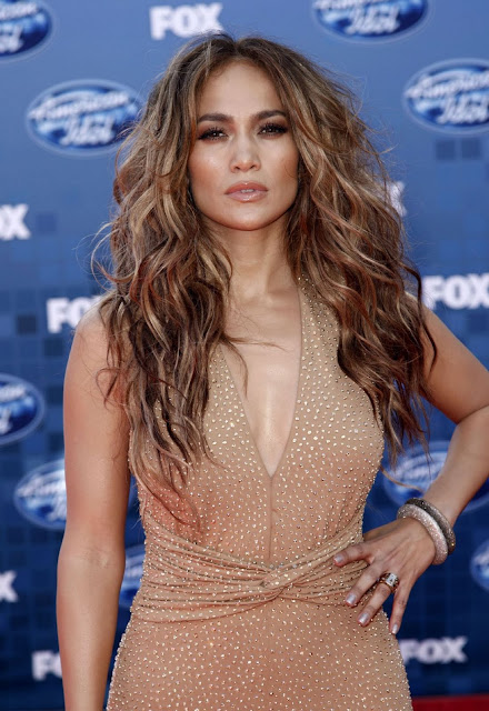 jennifer lopez dresses on american idol. Jennifer Lopez in hot-sexy