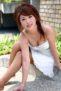 KOLEKSI FOTO HOT BIKINI ASIA