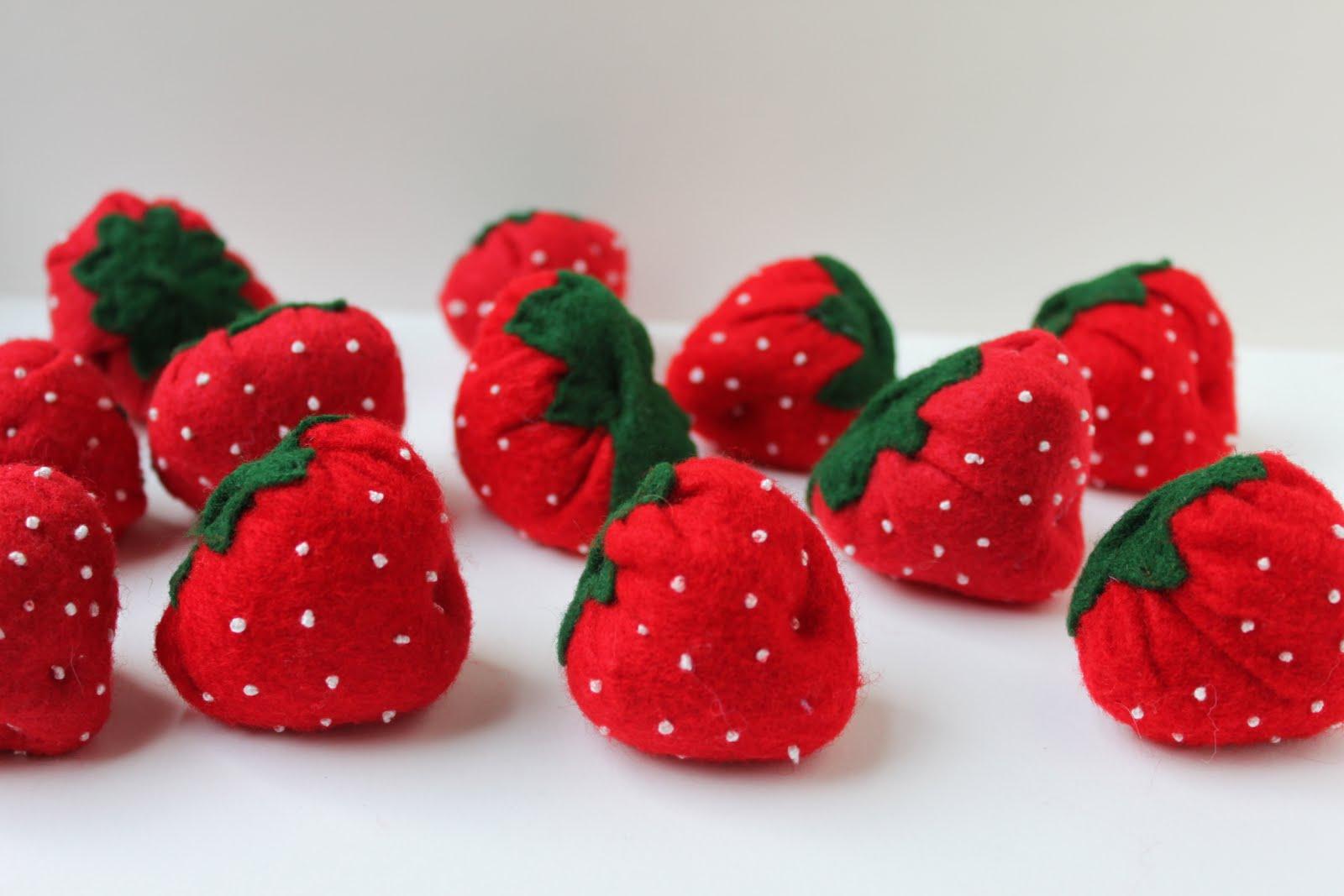 Сделать ягоды с детьми своими руками