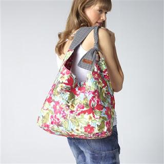 zenske-torbe-sa-cvetnim-motivima-022