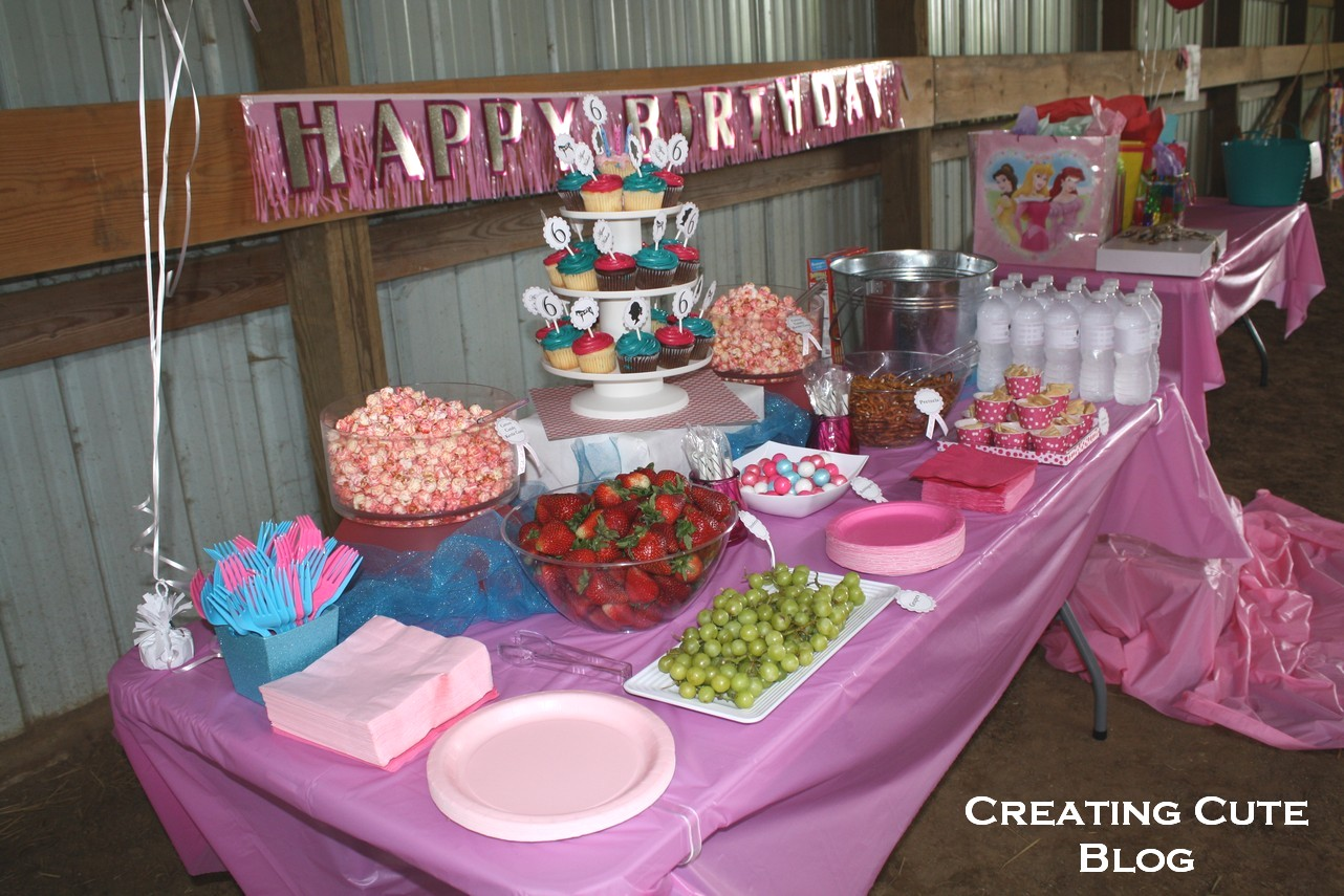 Creating Cute Saving Dough English Riding Birthday Party for 6