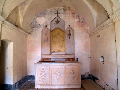 Interior de la capella de Sant Josep del mas de Campdeparets