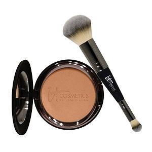 Blushing Noir, Brooke Pakulski, beauty blog, beauty blogger, interview, First Look Fridays interview series, It Cosmetics Celebration Foundation Set, favorite beauty products