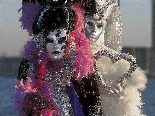 Máscara durante um século com óleo de sésamo