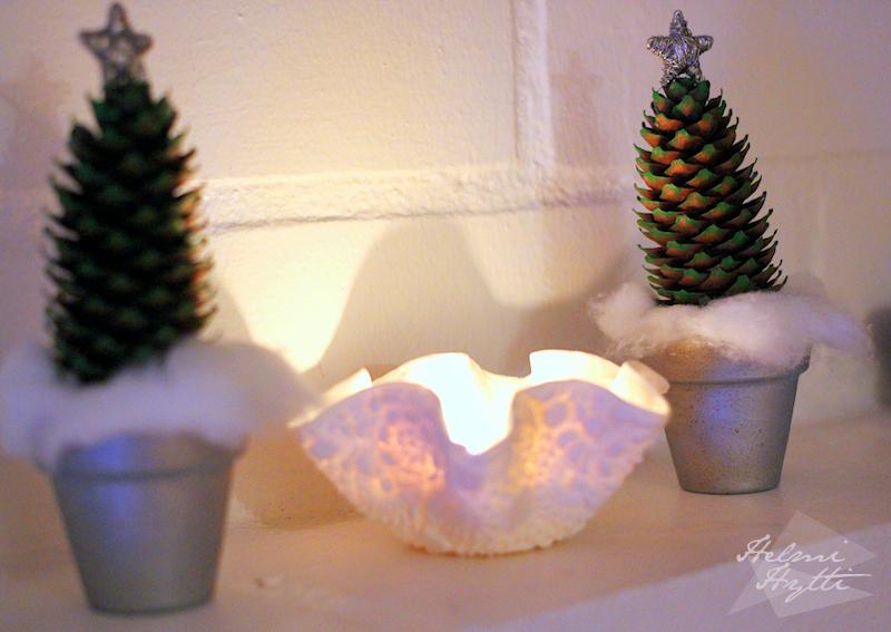 kävyistä pienet joulukuuset