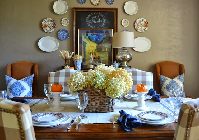 http://www.lilacsandlonghorns.com/2013/10/a-simple-fall-table.html
