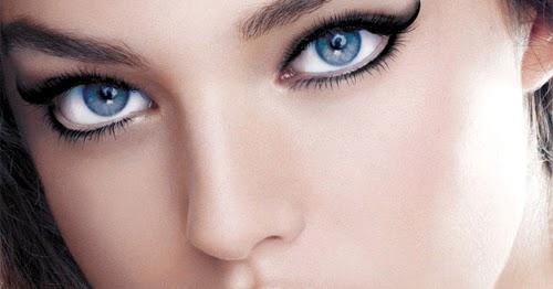 Arreglar las bolsas en los ojos después de la noche de insomnio