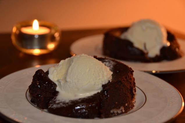 कुकर में चॉकलेट केक बनायें