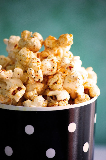homemade butter popcorn recipe with spicy masala