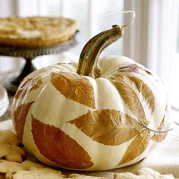 Leafy pumpkin centerpiece from midwestliving.com