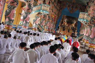 Cao Dai messe religieuse
