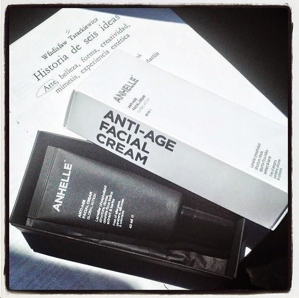 Crema facial antiedad de Anhelle. Cuando el diseño es un valor añadido.