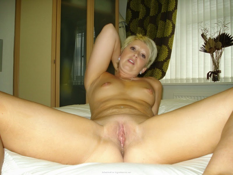 Chico California Naked Blonde Milf with short hair