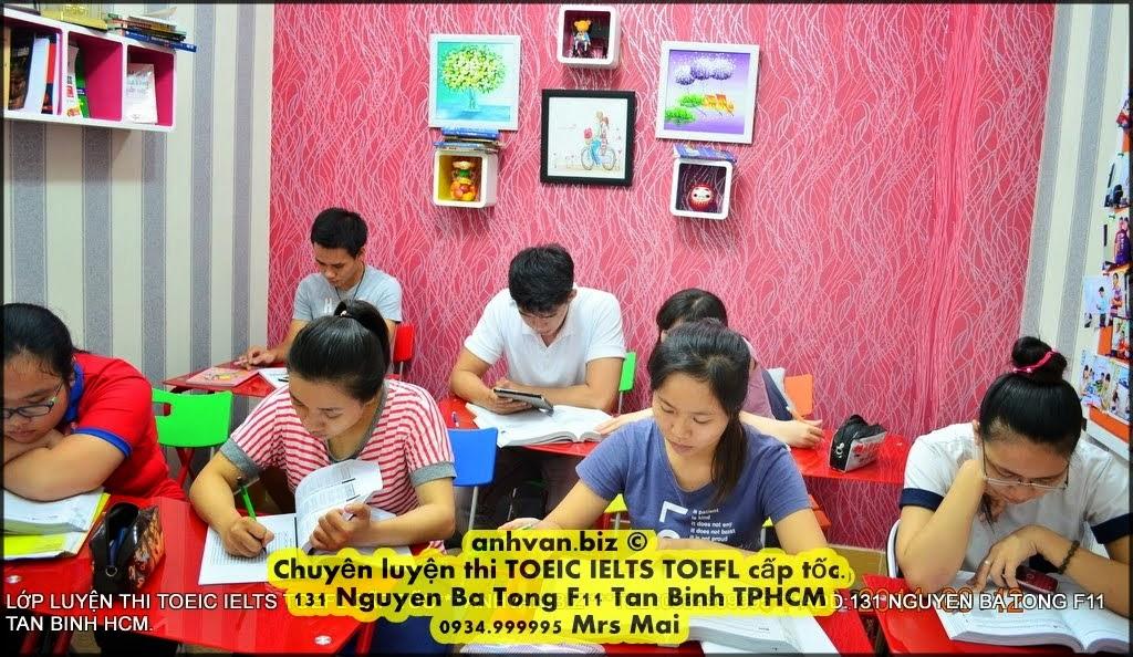 LỚP LUYỆN THI ĐẶC BIỆT IELTS TOEFL BUỔI SÁNG