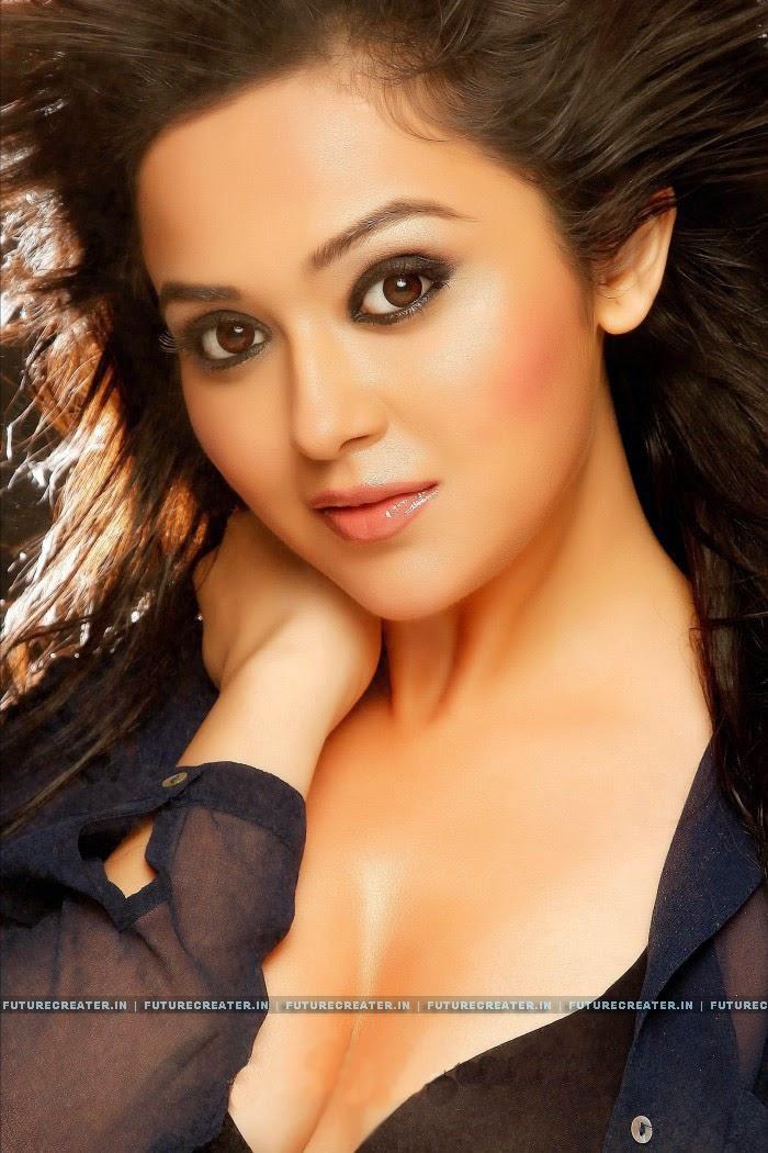 Ragini Nandwani Latest Hot Photos | Ragini Nandwani : Heroin of Peruchazhi